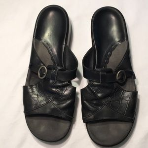 Clarks Black Step In Shoes 2 Inch Heels Sz 8